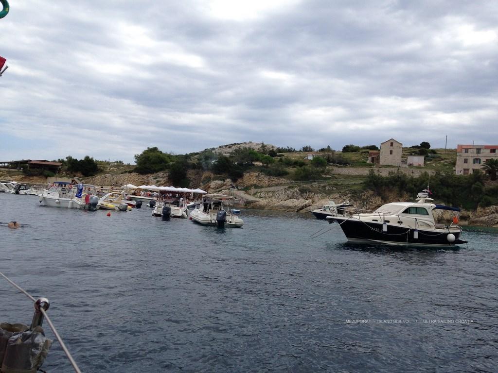 Mezuporat island Bisevo